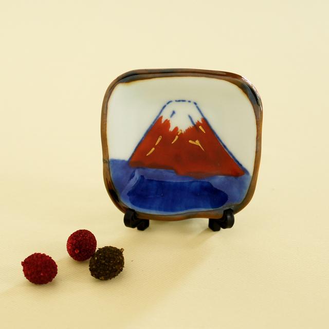 【和食器通販 金照堂】赤富士角箸置(皿立付)